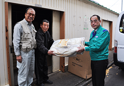 支援物資(JR南小泉仮設住宅)
