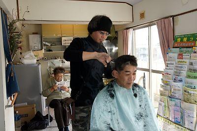 美容師ボランティアによる出張ヘアーカット