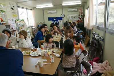 JR南小泉仮設住宅パラソル喫茶